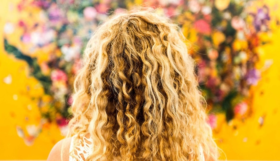 image  - how to washing the curly hair at home - Home